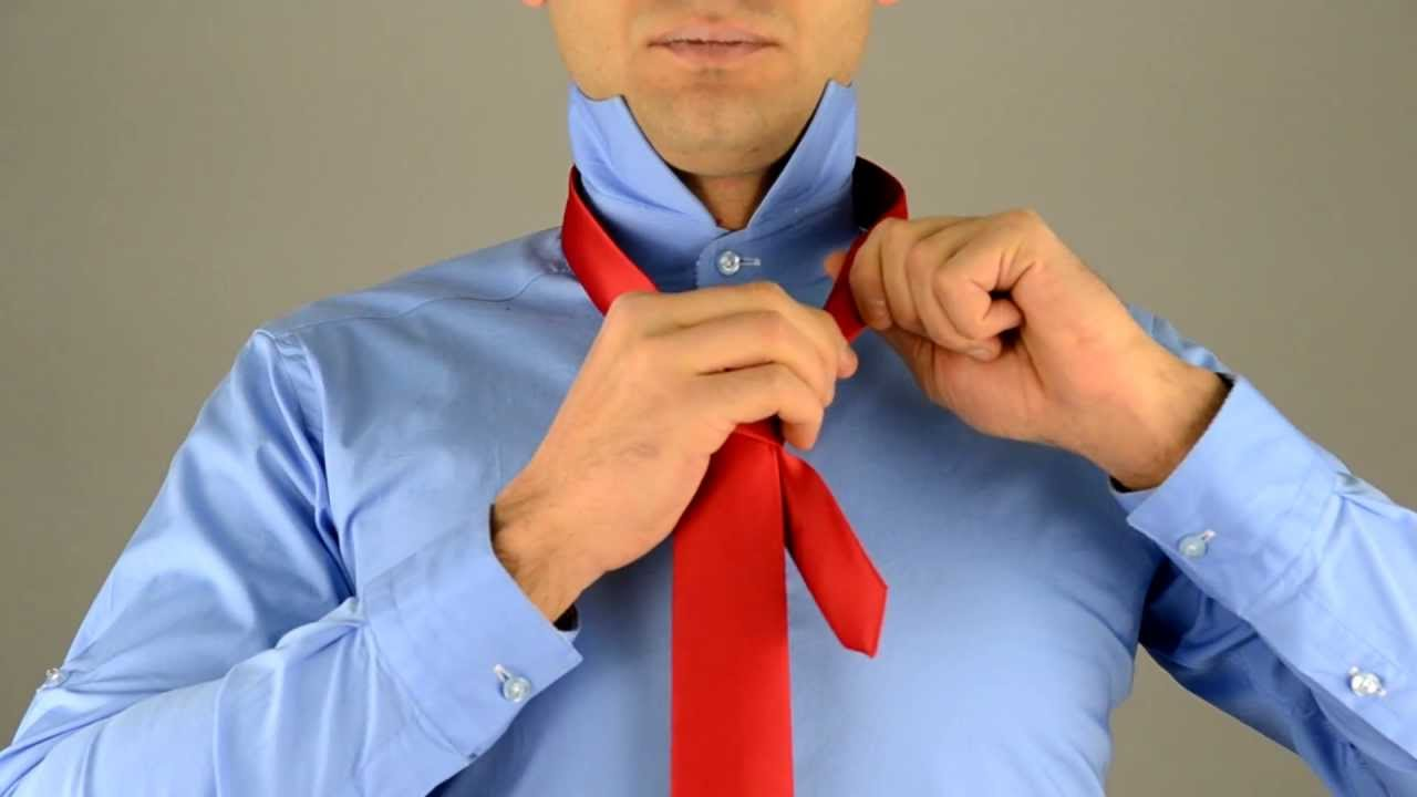 comment faire un noeud de cravate tutosite. Black Bedroom Furniture Sets. Home Design Ideas